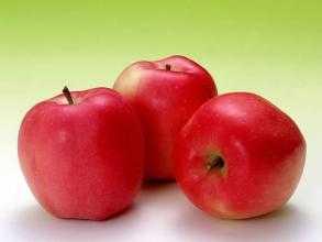 麦吉丽:长痘痘吃什么水果排毒 常吃9种水果熬夜不怕长痘痘