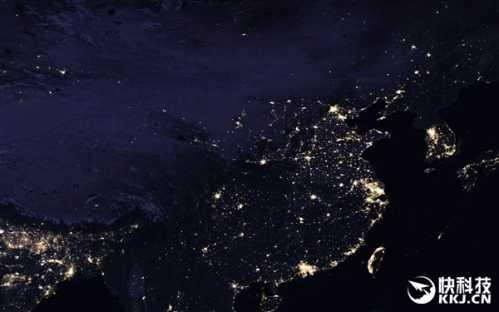 就在我们的旁边,韩国的灯光也相当两,而朝鲜几乎是一片黑暗,只有首都